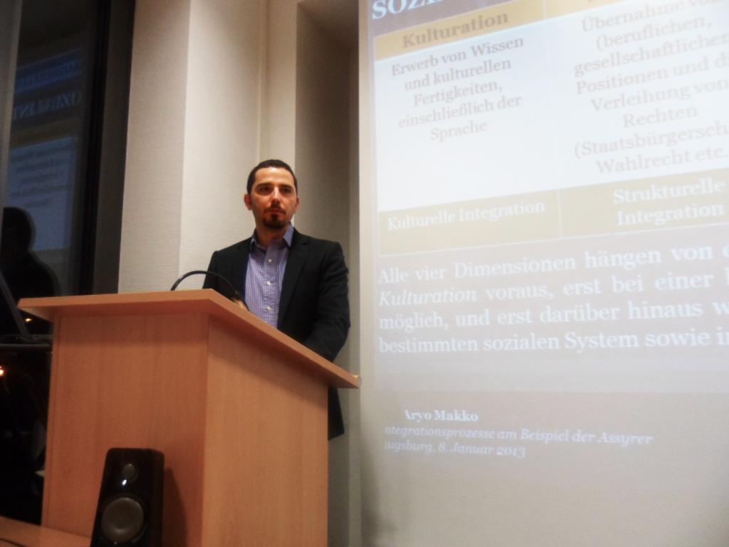 Integrationsprozesse - Vortrag von Dr. phil. Aryo Makko - 01