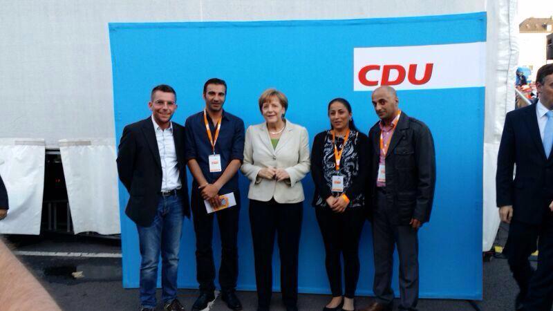 Assyrer Saarloius mit Bundeskanzlerin Dr. Angela Merkel
